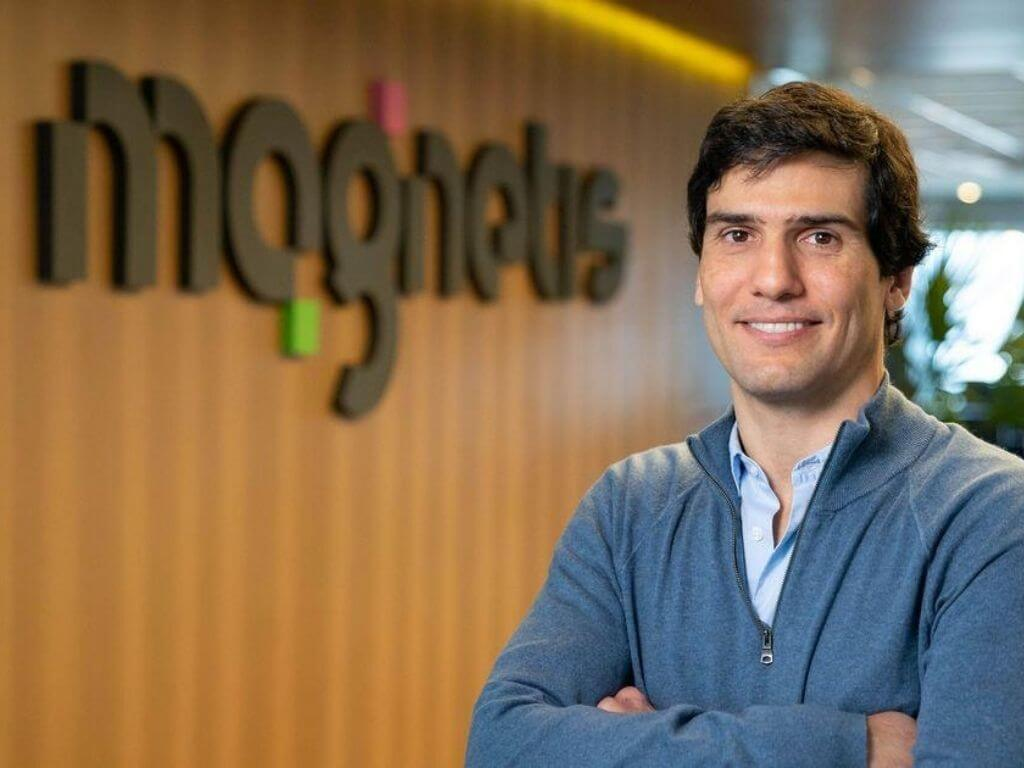 Globant buys GA; iPhones as payment terminals; Sempli launches credit card